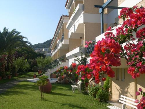 Paradise***  in Samos stad