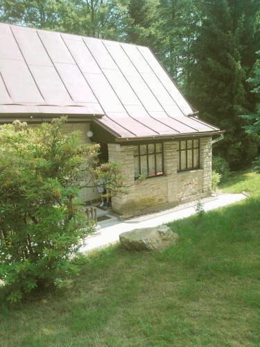 Chata u potoka
