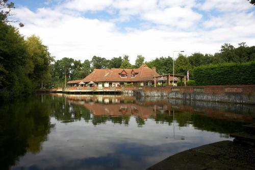 Potters Inn hotel in Mytchett, Farnborough