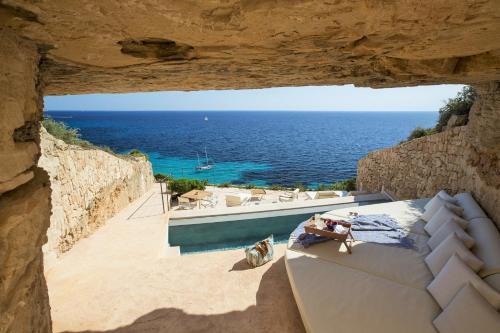 Habitación Doble Deluxe con vistas al mar Cap Rocat 2