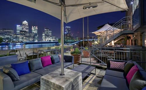 Stay at DoubleTree by Hilton London – Docklands Riverside