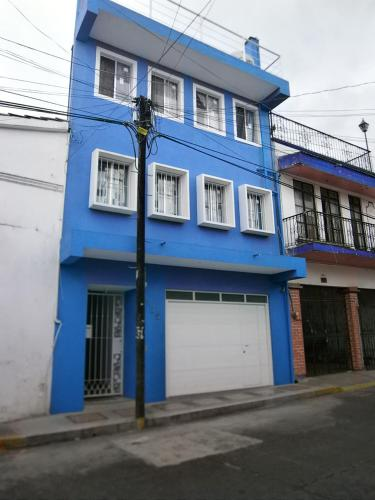 La Casa Azul Hostal y Pension - Azueta