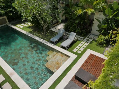 The Lane Villa
