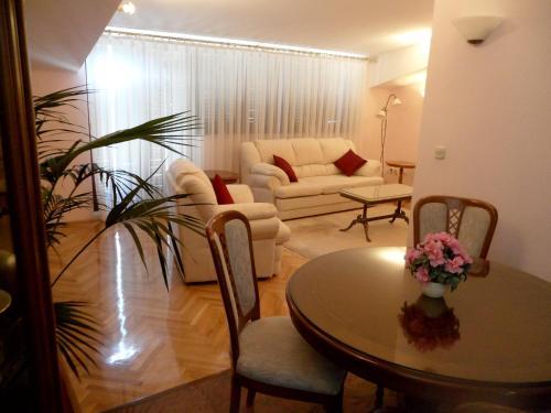 Apartment Tomic