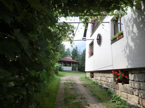 Guesthouse Prachovské skály front view
