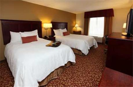 Hampton Inn & Suites Charlottesville-At The University