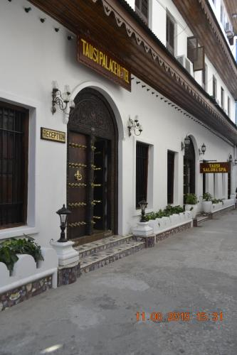 Picture of Tausi Palace Hotel