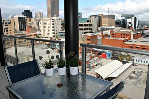 Adelaide DressCircle Apartments - North Terrace photo 13