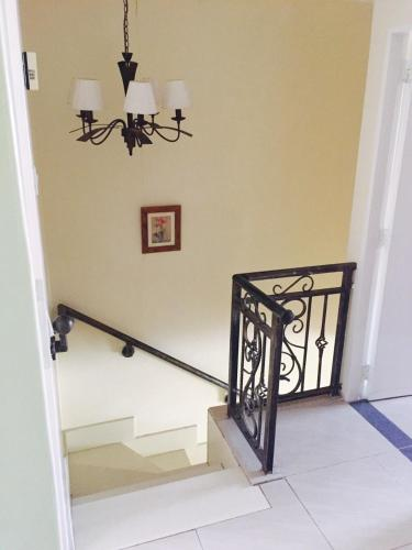 منزل ريفي بـ 3 غرف نوم (Three-Bedroom Townhouse)