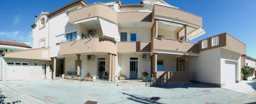 Apartments Villa Rotim
