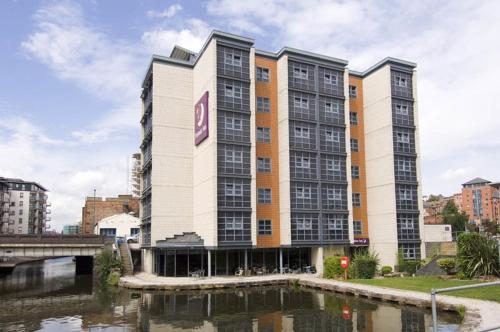 Premier Inn Nottingham Arena (London Road)