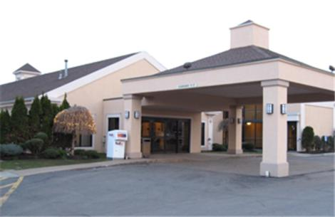 Photo of Best Western PLUS Galleria Inn & Suites Hotel Bed and Breakfast Accommodation in Cheektowaga New York