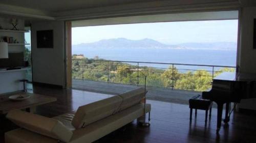 Villa U Falcu front view