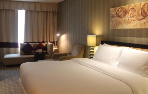 Four Points by Sheraton Bur Dubai photo 21