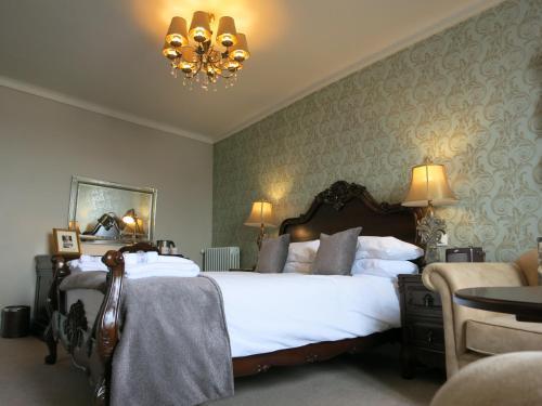 Logis Hotel De France 3 La Chartre Sur Le Loir