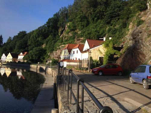 Rybarska 12 House