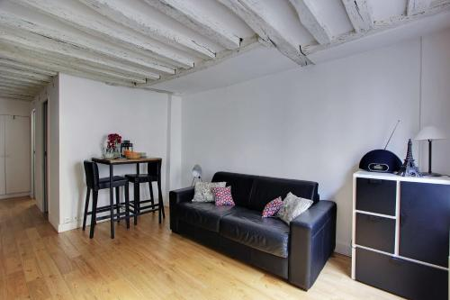 One-Bedroom Apartment -109088- Rue de Bellefond