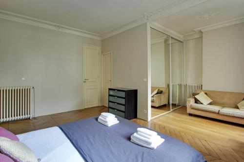 Two-Bedroom Apartment-209290- Rue Pierre Fontaine