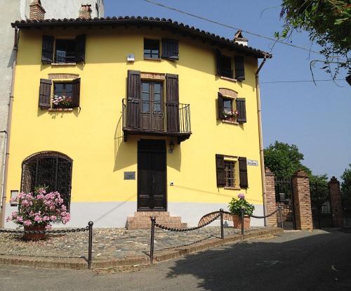 foto Altes Backhaus in Maranzana (Alice Bel Colle)