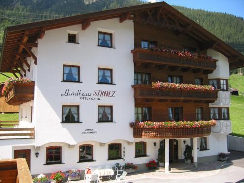 Landhaus Strolz front view