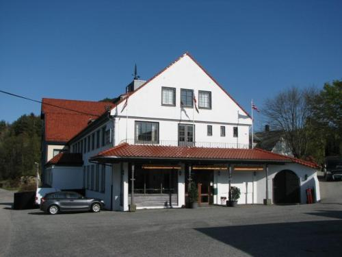 More about Bømlo Hotel