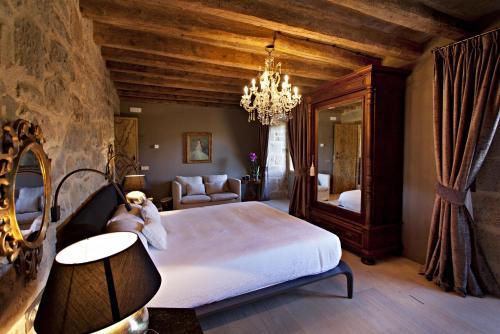 Superior Room La Vella Farga Hotel 8