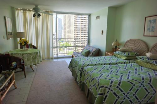 3 starts hotel in Honolulu