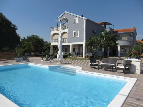 Banic Apartments with pool