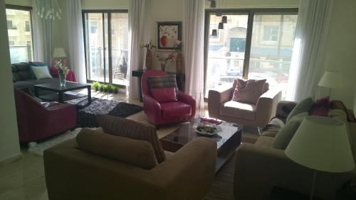 Luxury Apartment In Rabyeh
