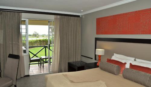 Picture of Cresta Riley's Hotel