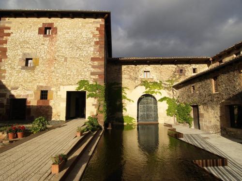 Hotel el convento de mave santa mar a de mave desde 76 for El jardin prohibido restaurante