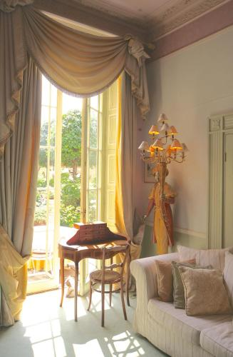 Queen Charlottes Orangery - Photo 8 of 20