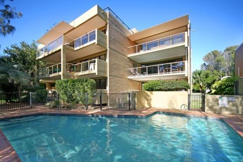 Lahaina Apartments