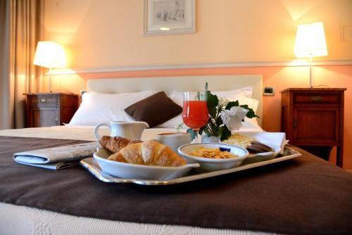 Отель Hotel Ponte di Rialto 4 звезды Италия