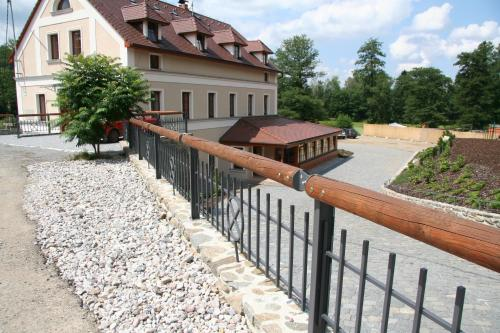 Pension Mlyn Stare Mitrovice
