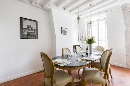 Luxury and Bright Two-Bedroom Apartment Ile Saint-Louis - 3