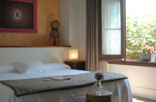Superior Double Room - single occupancy Mas de Baix 3