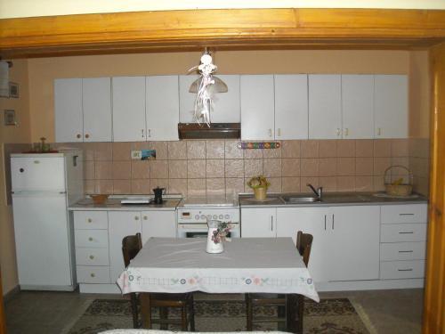 Christine's Apartment, Korçë