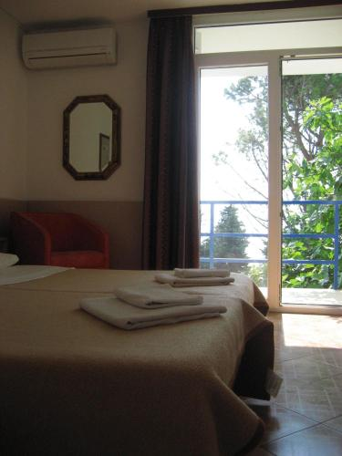Adria Beach Guest House