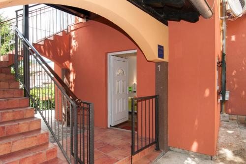 Apartment Gala Opric 1