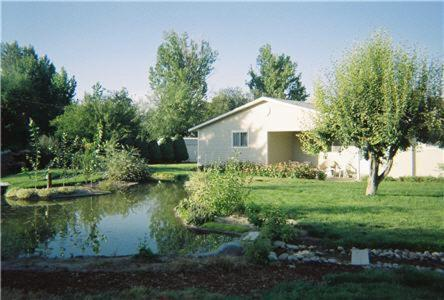 Photo of Hostel Boise Hotel Bed and Breakfast Accommodation in Nampa Idaho