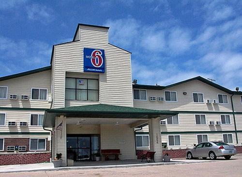 Photo of Motel 6 Jefferson City Hotel Bed and Breakfast Accommodation in Jefferson City Missouri