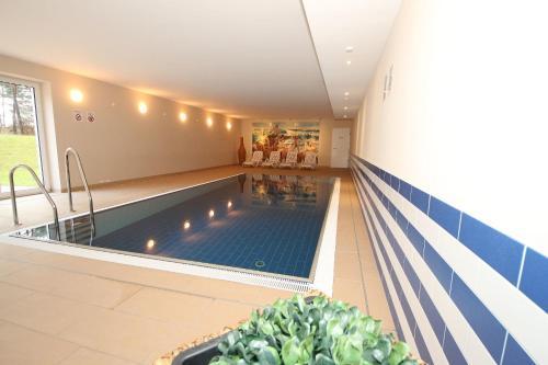 Indoor pool einfamilienhaus  Haus Meeresblick - FeWo Sebastus in Baabe