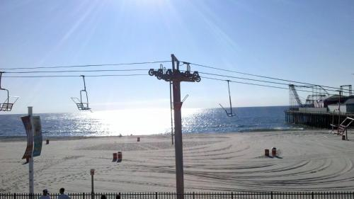 Photo of Aztec Ocean Resort Hotel Bed and Breakfast Accommodation in Seaside Heights New Jersey