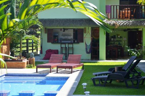 Mavi Surf Hotel Dominical front view