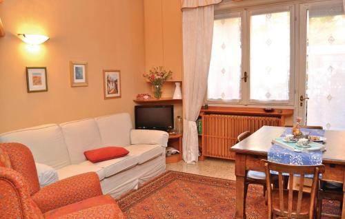 Two-Bedroom Apartment Aprile 07