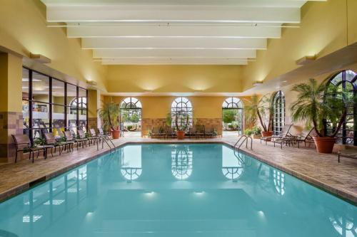 Embassy Suites Hotel Greenville Golf Resort And Conference