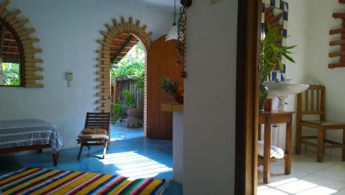 El jardin zipolite bungalows zipolite best places to stay for Bungalows el jardin retalhuleu guatemala