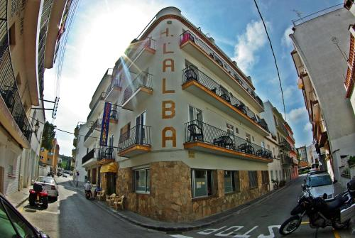 Hostal Alba front view