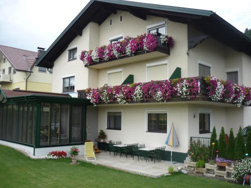 Landhaus Lassnig - Apartment mit 1 Schlafzimmer und Balkon